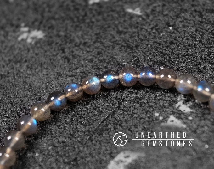 6mm Blue Flash Black Labradorite Bracelet