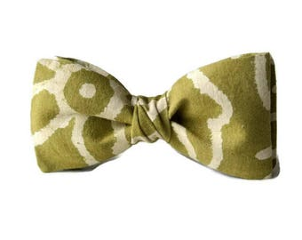 Cotton Mens Bow Tie Pretied Clip-On Olive Green Beige Print Wedding Groomsmen Easter Gift for Fathers Day