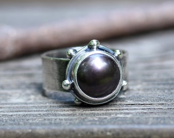 Black pearl ring / sterling silver ring / black pearl statement ring / gift for her / gemstone ring / wide silver band / cocktail ring