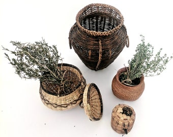 Set of 4 small woven baskets |  lidded basket | trinket storage containers