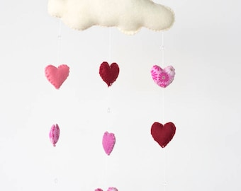 heart mobile, felt heart mobile, valentines day gift, baby girl gift, valentines day gift for her, nursery decor, baby shower, Valentine