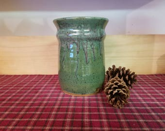 Spring green pottery utensil holder