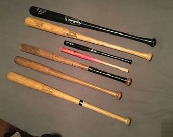 vintage louisville slugger baseball bats mickey mantle, al kaline, johnny bench and two others also two mini wooden bats