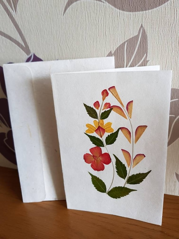 Real pressed flower greetings card twin plant design