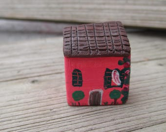 Small Pottery Acrylic Painted House,Tiny Ceramic Mediterranean House,Little Clay Village,Tuscan House,Red,Rustic,Colorful,Christmas gift