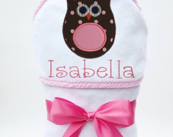 Personalized Baby Towel, Hooded Bath Towel, Baby Bath Towel, Monogrammed Towel, New Baby Gift, Baby Beach Towel, Owl Baby, Baby Girl Gift