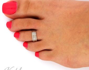 Sterling silver toe ring Tribal design adjustable toe ring Also knuckle ring (T-64)