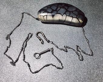 MoNo Necklace