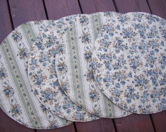 Blue & Tan Floral Placemats, Circle Reversible Centerpiece