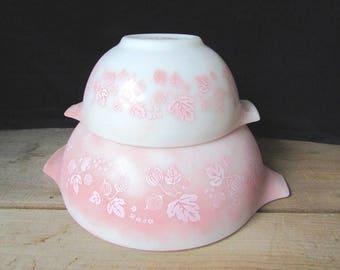 Pyrex Mixing Bowls Pink and White Gooseberry Pattern 2 Nesting Bowls