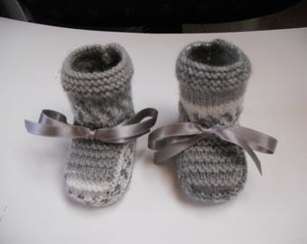baby acrylic yarn in Heather grey and white