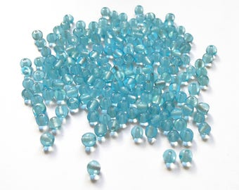 100 round light blue glass beads is 4 mm