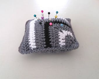 Handmade Crochet pincushion, granny square motif pincushion, mini crochet pillow in gray black&white, monochrome pincushion, Motherdays gift