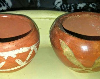 2 Little Vintage Terracotta Native American Bowls