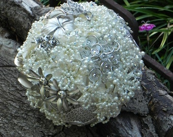 SALE .... Brooch Wedding Bouquet in Ivory with Swarovski Crystals ... REDUCED 200.00