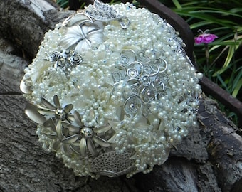 SALE .... Brooch Wedding Bouquet in Ivory with Swarovski Crystals ... REDUCED 100.00