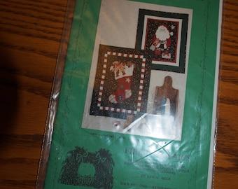 SANTA'S CHRISTMAS LIST Pattern Fiber Mosaics Brand New in Package 1992 Applique20 X 26 19 X 23