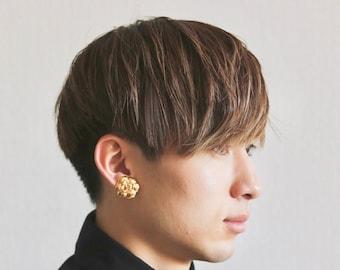 Authentic Vintage Chanel earrings camellia flower gold tone ea1778