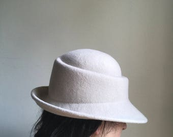 Women's Alabaster asymmetric crown shape with up turned brim