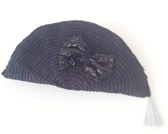 Black Crocheted Crescent Clutch , Bow Zip Pouch, Bag Organizer