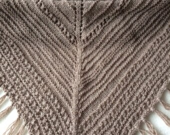 Triangular shawl scarf