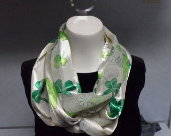St Particks Day infinity scarf