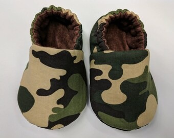 READY TO SHIP - Camouflage baby slippers, baby shoes, crib shoes, non slip