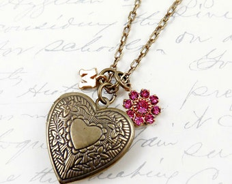 Personalized Heart Locket, Initial Necklace, Flower Necklace, Gift for Mom, Graduation Gift, Mothers Day Gift