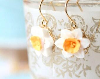 Flower Earrings, Little Flower Earrings, Daffodil Earrings, Botanical Earrings, Nature inspired Earrings, Floral Earrings, Flower Jewelry