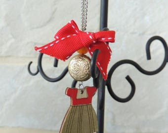Wooden bow red dress necklace