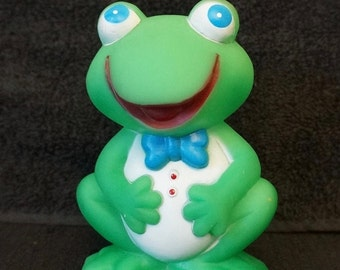 Squeek Toy; Green Frog; Approx. 3.5 x 5 in. Made in Taiwan