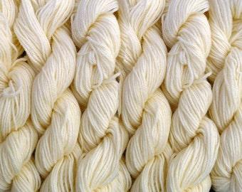 600 yards worsted weight yarn, ivory, 6 skeins, 10.5 oz./300 grams