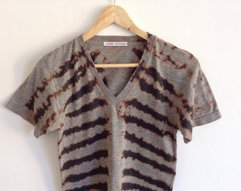 Striped Ribcage Dyed Vneck Gray Track Tee