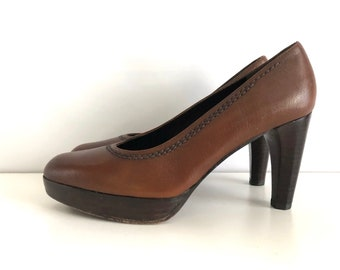 Vintage Shoes Women's 90's Stuart Weitzman, Platform, Heels, Leather (Size 5)
