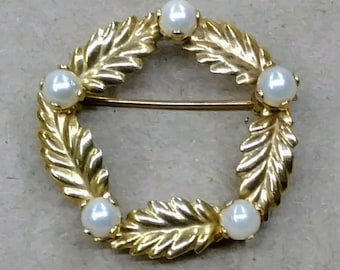 14K Vintage Yellow Gold and Pearl Pin