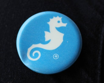 Vintage Seahorse Logo Button - Blue & White