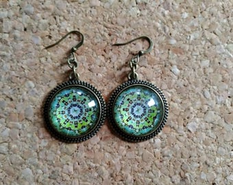 Nine green mandalas pattern earrings hand made!
