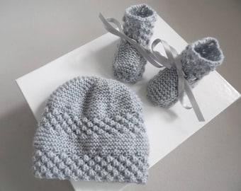 Set Naiss Hat gray knit baby booties