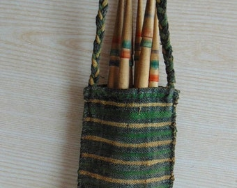 20%ON SALE Set of 6 vintage spindle and a hand-woven bag , Antique wooden spindles, Vintage Wool Wood Spindles, Wool Spinning, Cottage chic,