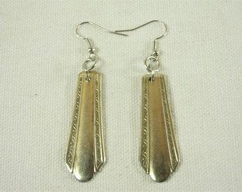 """Repurposed WM A Rogers - 1932 """"Croydon / Mary Lee"""" pattern Spoon Handle Earrings"""