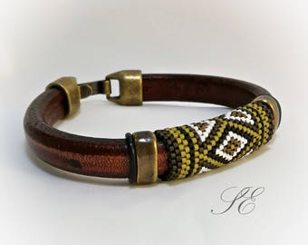 Leather and beaded bracelet, beaded weave bracelet, peyote bracelet, mens leather bracelet Unisex Bracelet