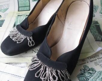 Vintage 1950's Black Court Shoes- Pretty Beaded Trim
