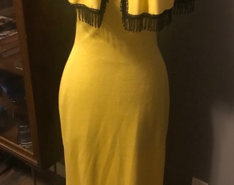 70's yellow form fitting dress