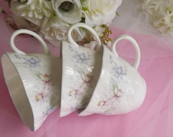 3 Pretty Teacups for Mix and Match Vintage Queens Blue Trim