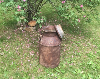 Vintage milk can | Front porch decor | Antique milk tin | Large metal milk jug | Rusty metal decor | Farmhouse decor | Rustic country dairy