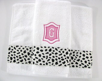 Personalized Towels, hand towel, bathroom, personalized gift, embroidered  towels, cheetah, leopard, monogrammed towels, polka dots, spots