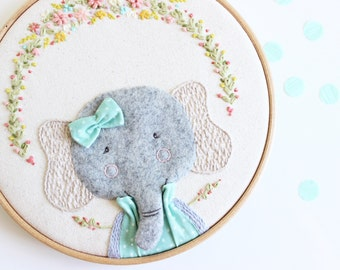 Embroidery hoop art | Elephant