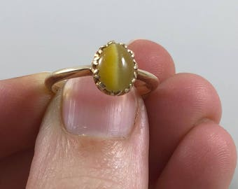 Vintage 10K Yellow Gold Ladies Ring Set with Yellow Cat's Eye Cabochon