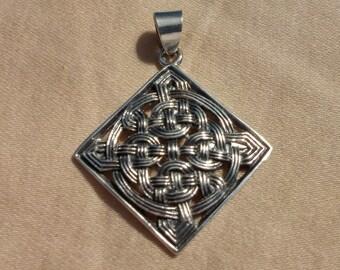 Sterling silver Irish Celtic Knot Weave Pendant
