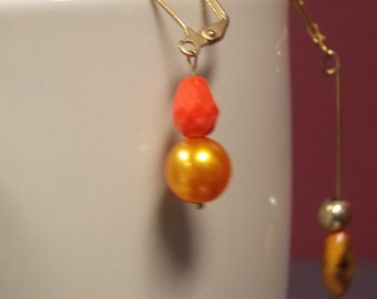 6/25Coral and gold beaded earrings